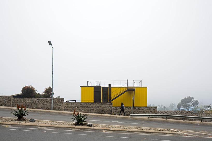 Uma casa com vários acessos