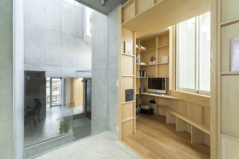 Foi desenhado pelo arquiteto Akihisa Hirata