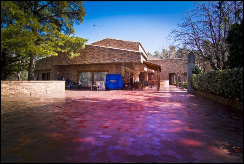 A casa está à venda por 850.000 euros