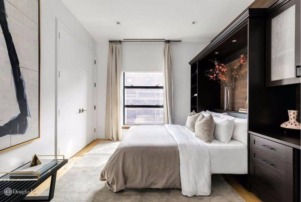 Espaços amplos com uma decoração minimalista