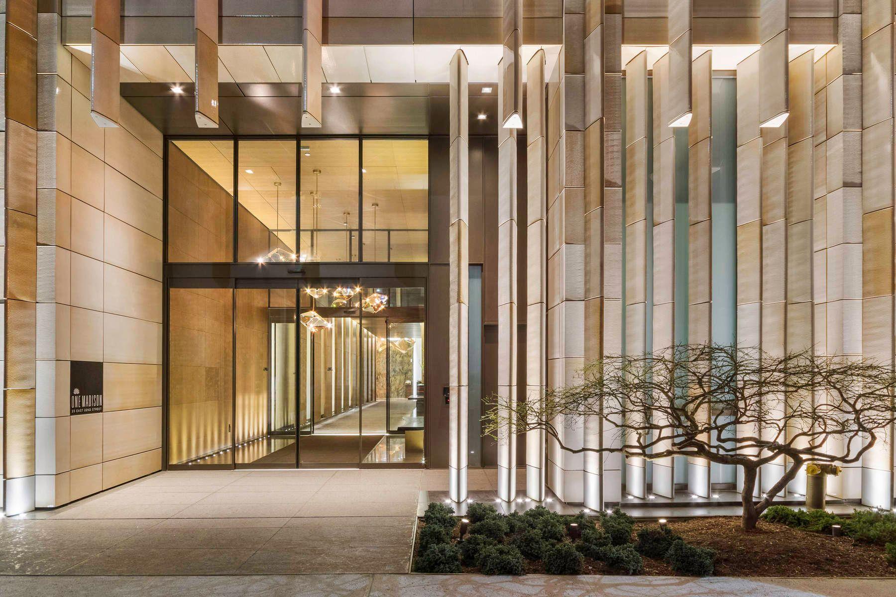 Entrada da One Madison Tower