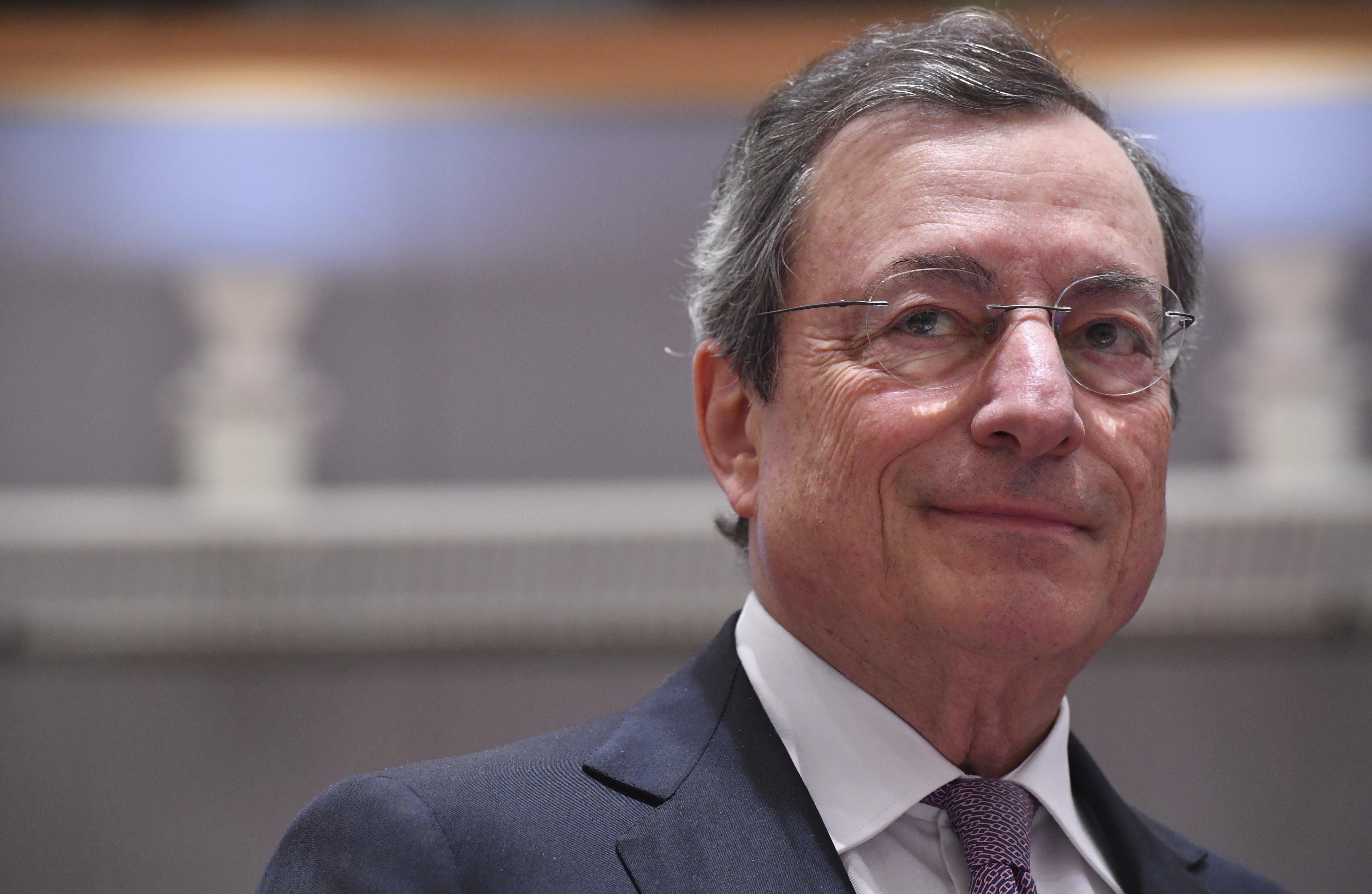 BCE, liderado por Mario Draghi, anunciou uma nova solução baseada num modelo híbrido / Gtres