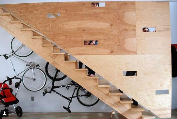 10- Debaixo das escadas