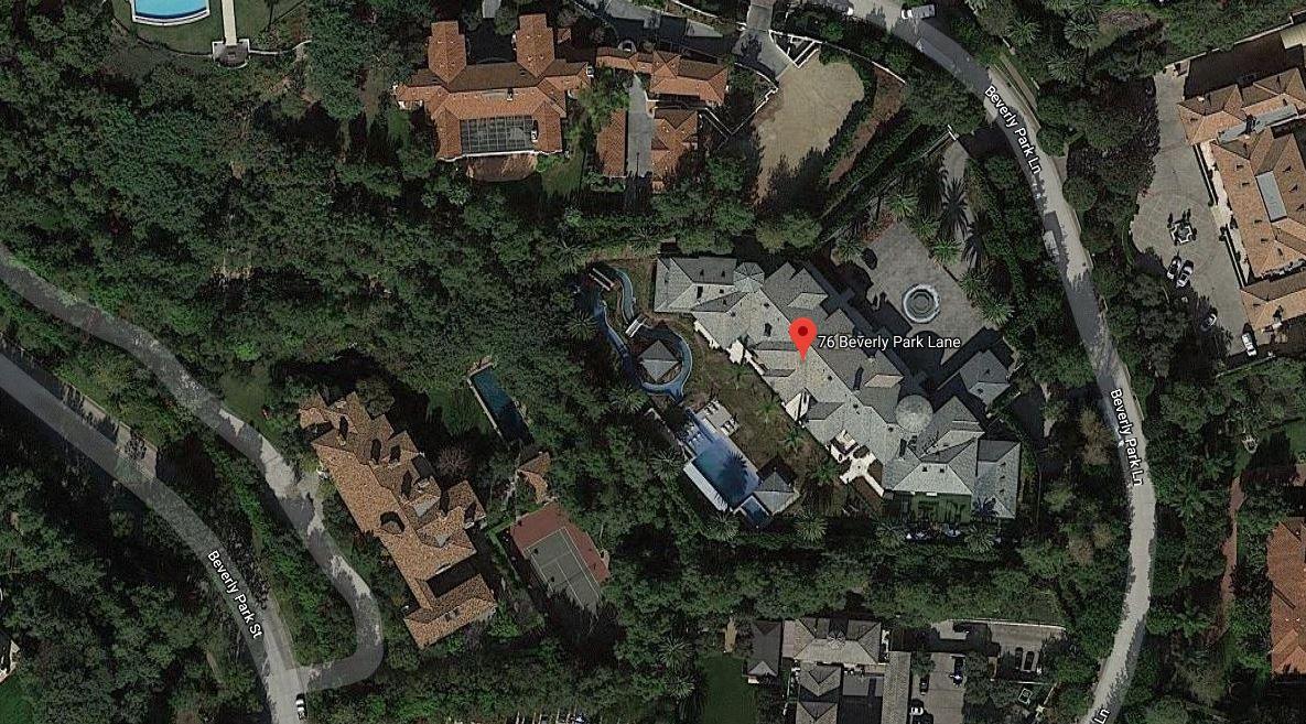 A mansão de luxo está a ser disputada pela realeza saudita / Google Maps