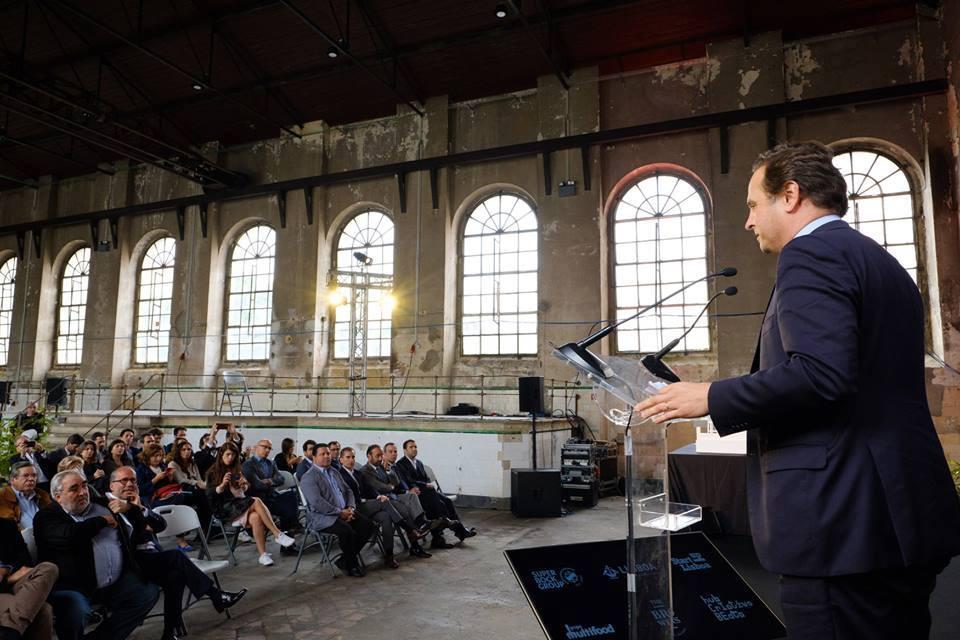 Fernando Medina, presidente da CML, durante a apresentação do projeto Browers Beato / Facebook de Fernado Medina