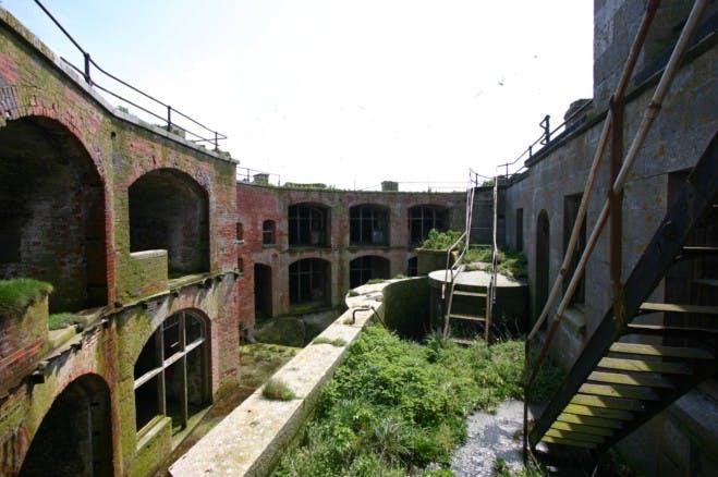 A fortaleza militar foi construída no século XIX...