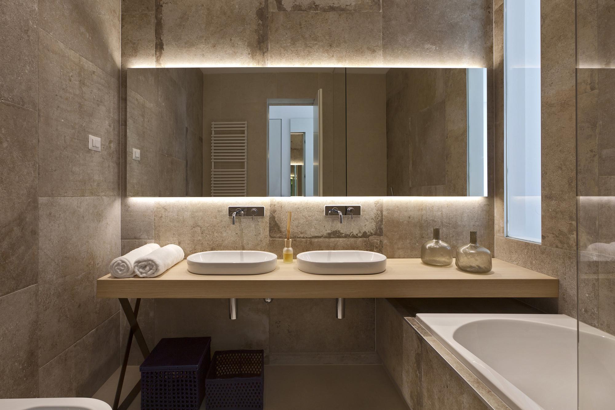 ... E outra casa de banho