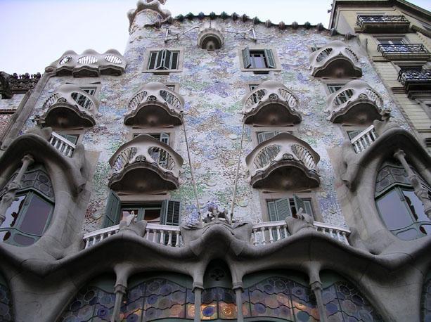 A casa dos ossos de Gaudí