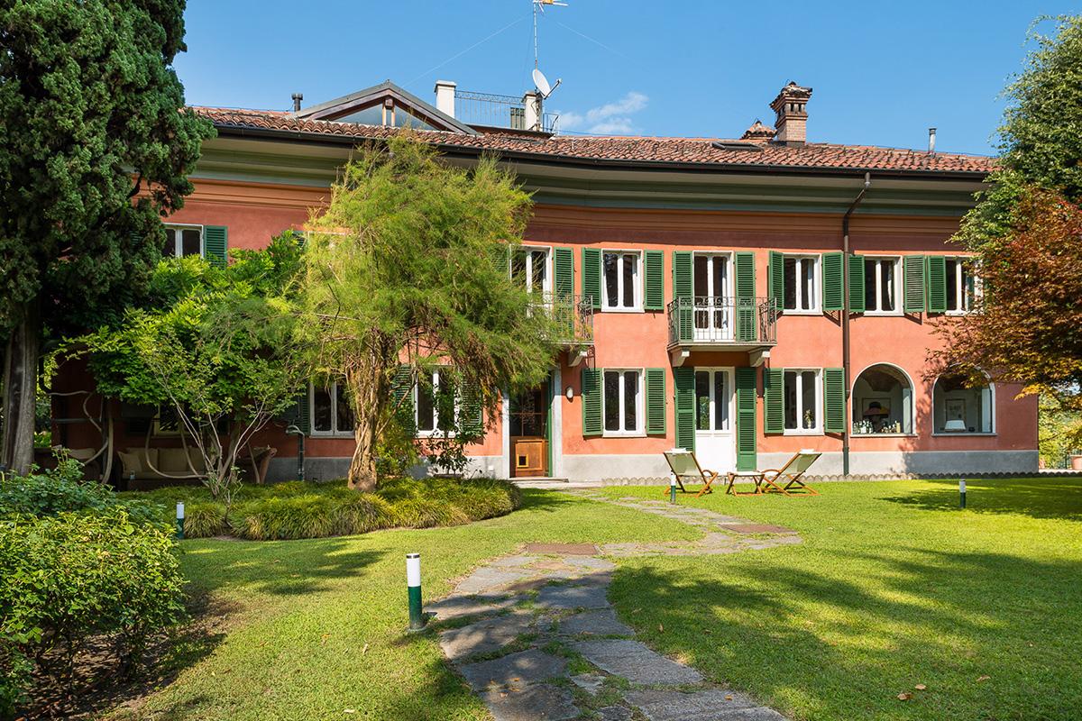 """""""Villa"""" do século XVIII com vistas impressionantes – 3,5 milhões"""