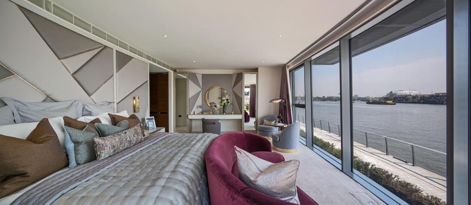 O apartamento tem três pisos e 560 m2