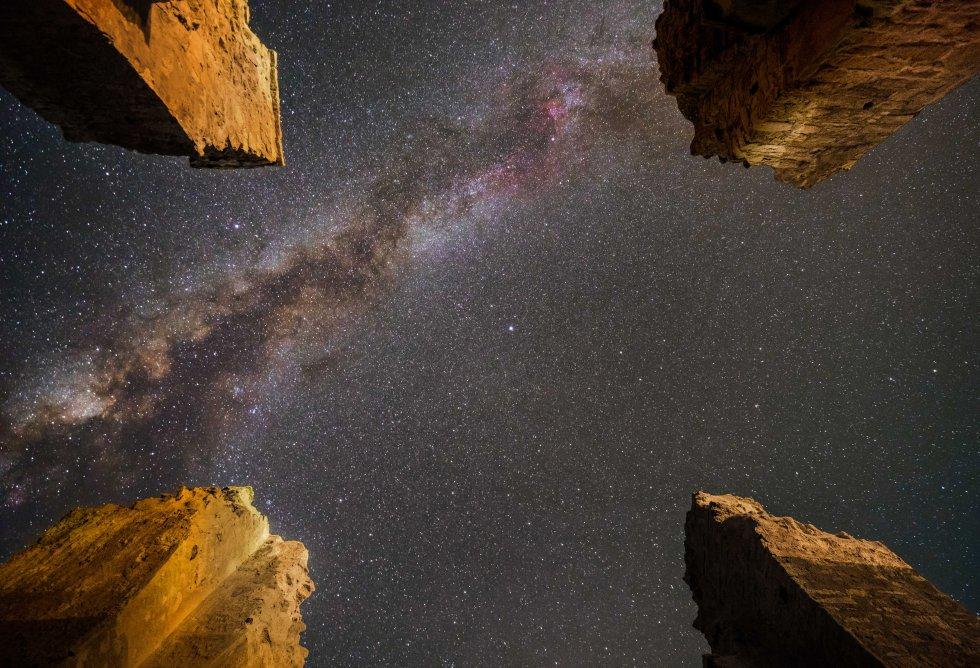 A Via Láctea brilha sobre Atashkooh