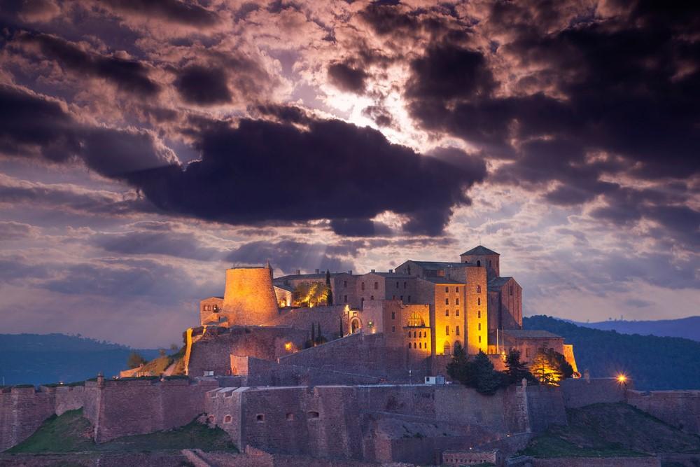 Um castelo (assombrado) do século IX na Catalunha