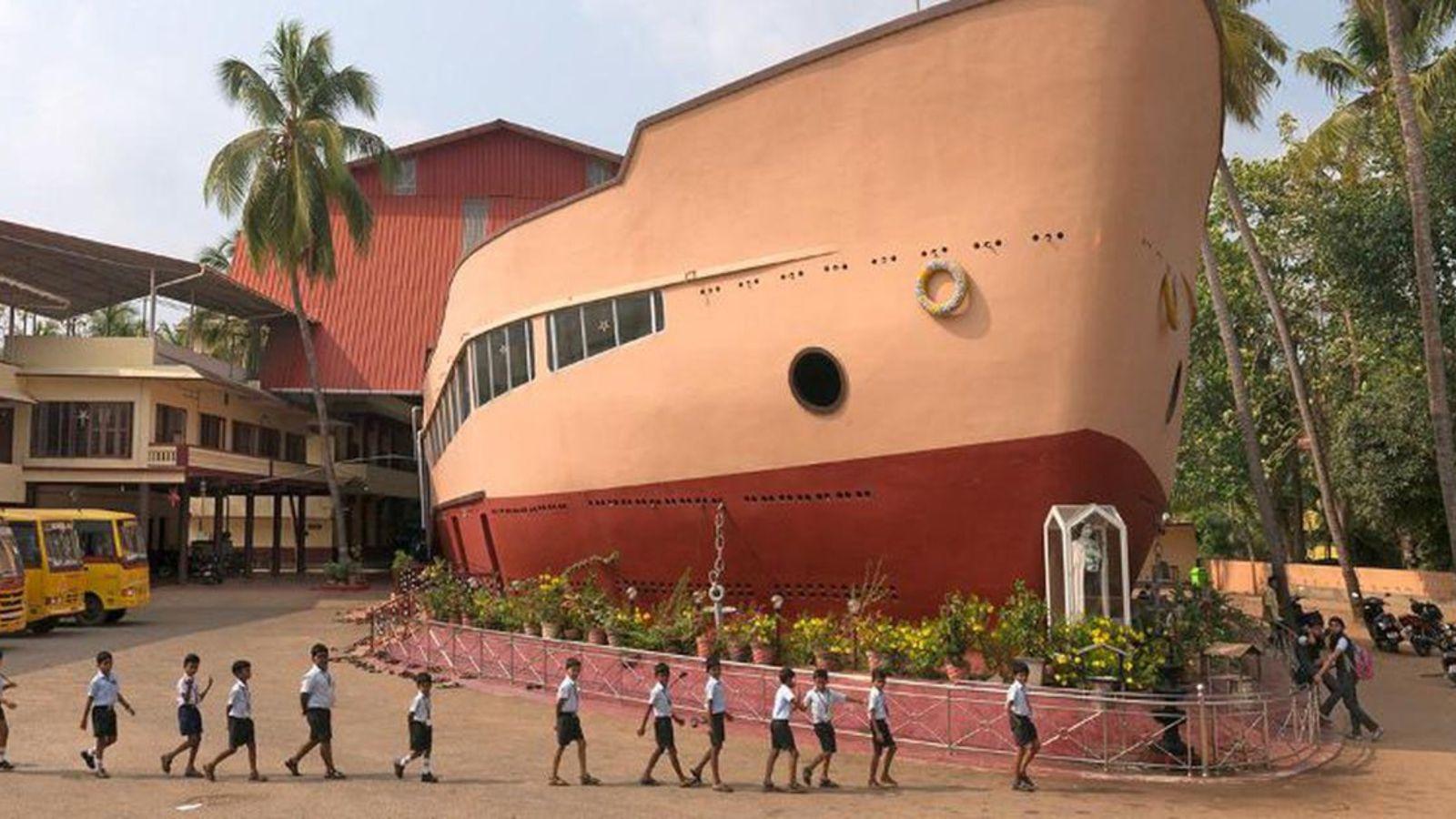 Igreja Santa Teresa em forma de barco