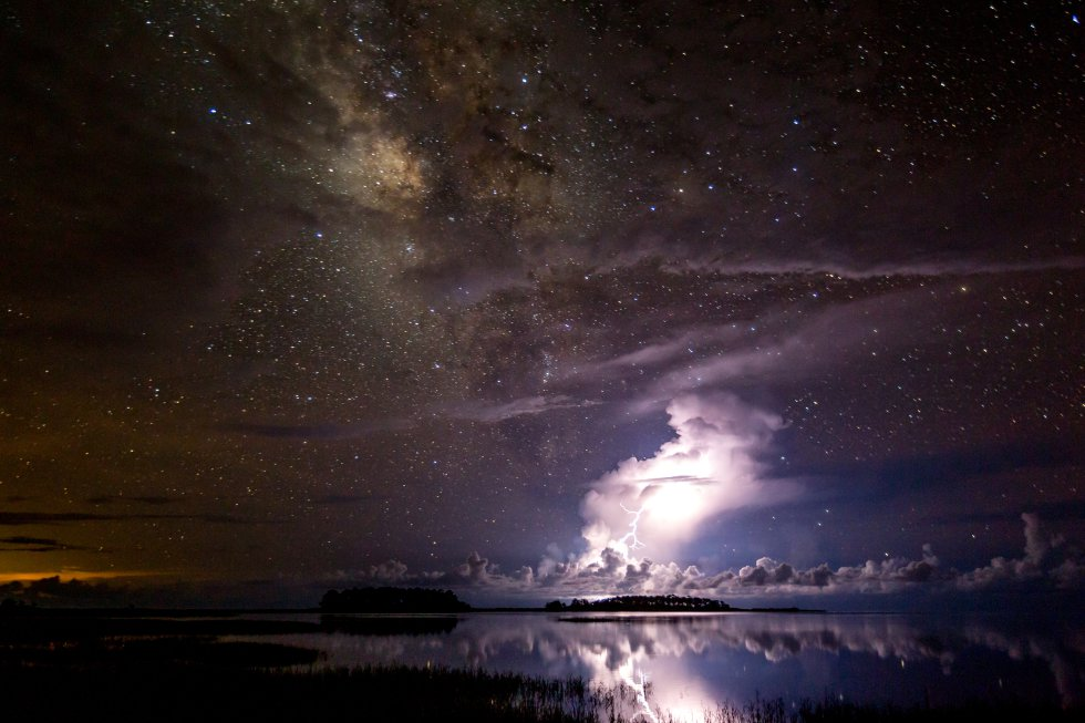 Tempestade debaixo da Via Láctea