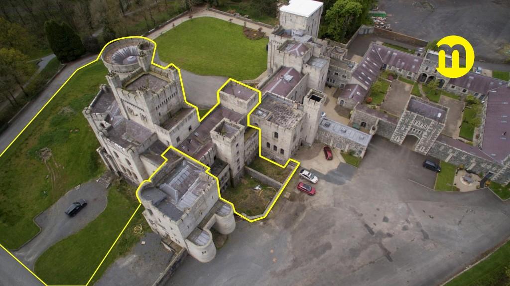 Só uma parte do castelo está no mercado