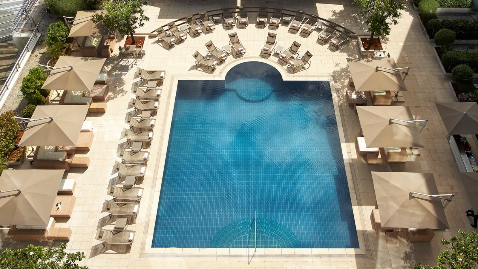 A piscina...