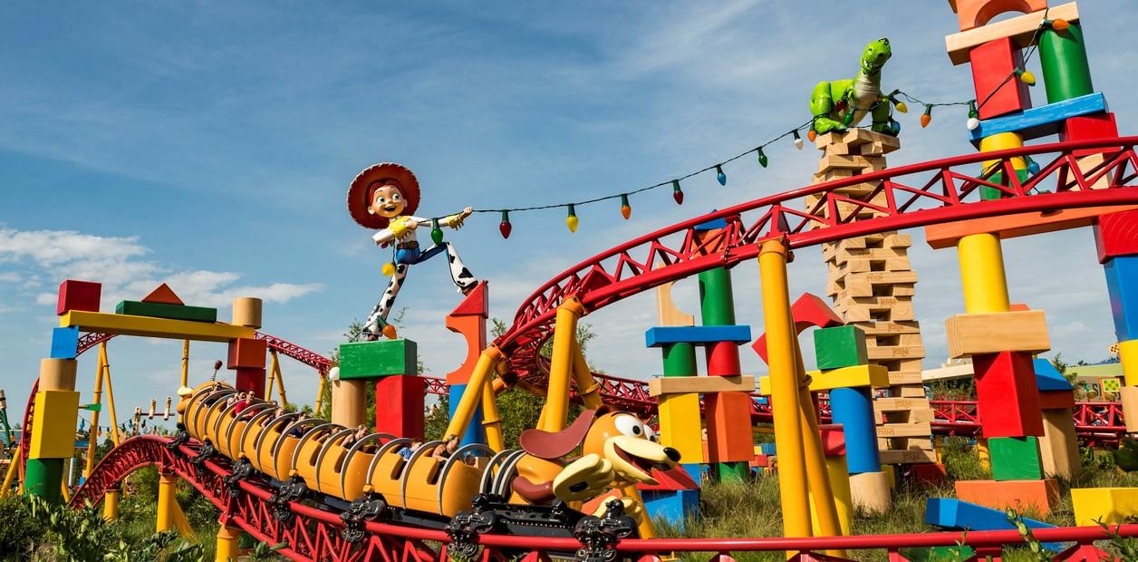 O cão de Woody e uma montanha russa