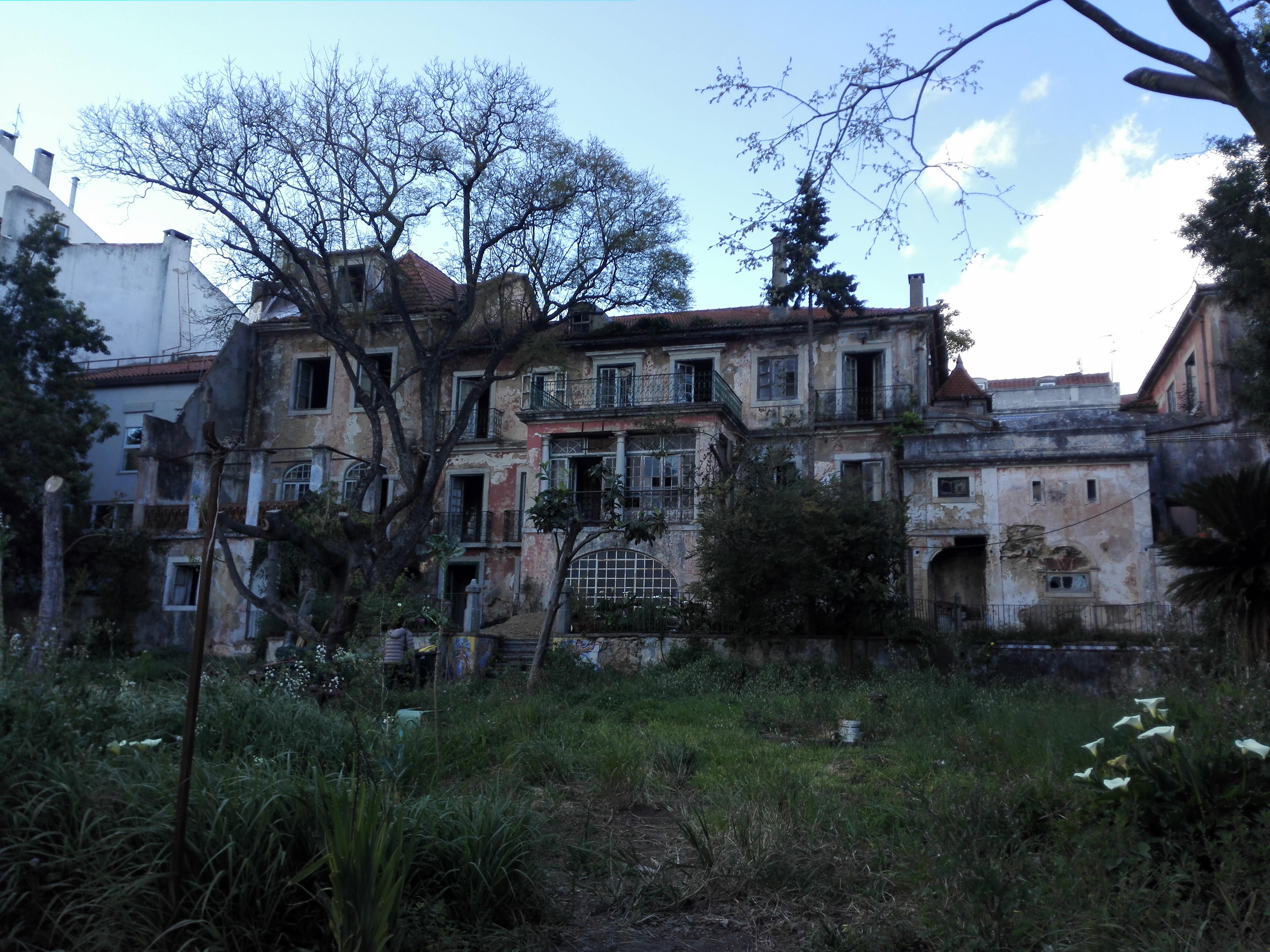 Palacete do século XIX na Rua Saraiva de Carvalho, em Campo de Ourique / Magellimo Real Estate Projet Management