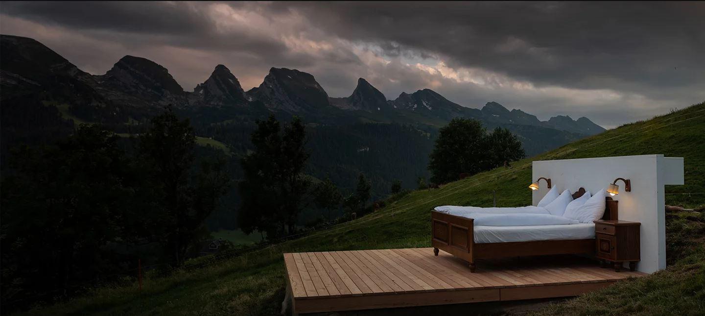 Um hotel onde não há telhado nem paredes