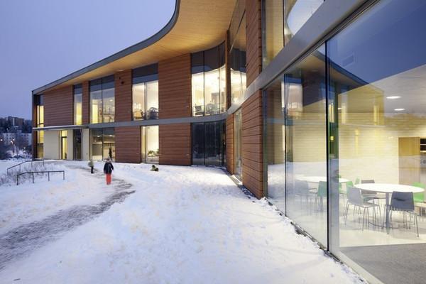 2. Kirkkojärvi Koulu (Espoo, Finlândia)