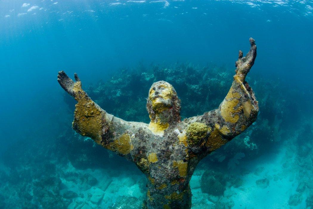 Cristo do Abismo de Cayo Largo (Flórida) / GETTY IMAGES / AURORA CREATIVE