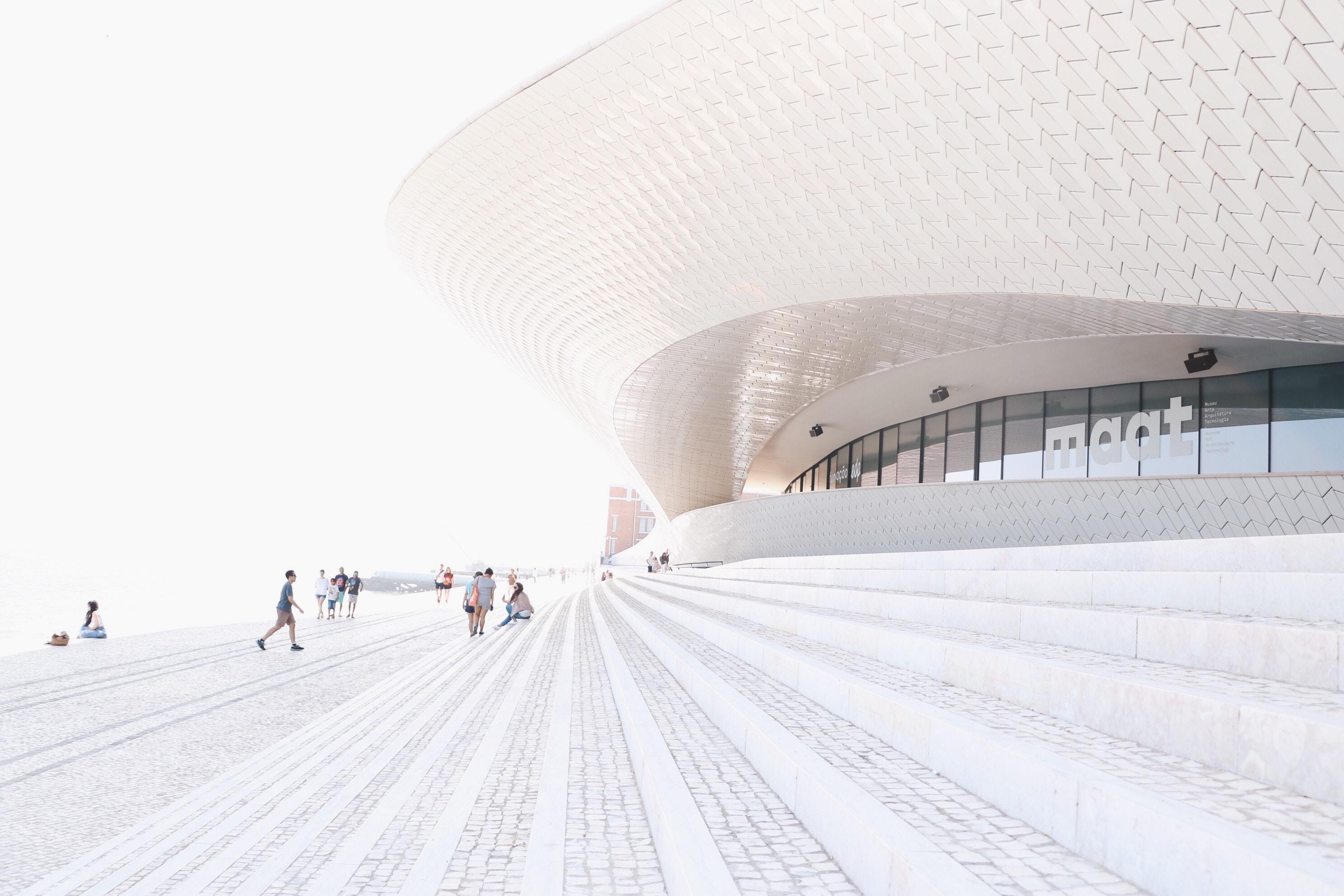 O MAAT - Museu de Arte, Arquitetura e Tecnologia é um dos espaços que pode ser visitado / Sara Depraetere/Unsplash