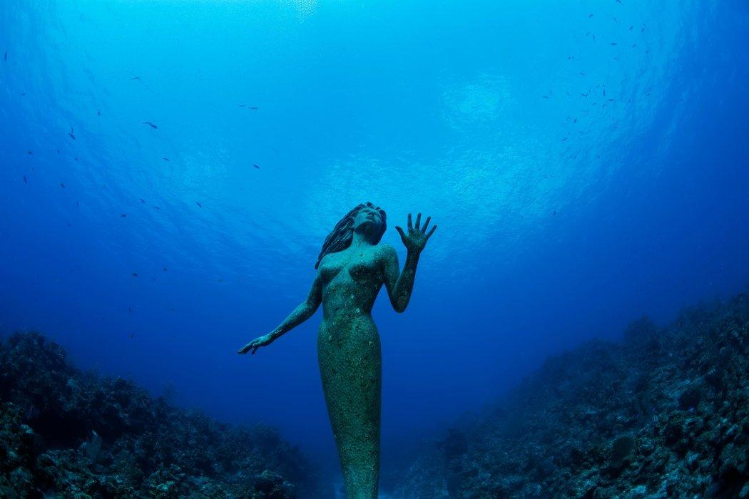 Estátua de uma Anfitrite no Grande Caimão  / JUSTIN LEWIS / GETTY IMAGES