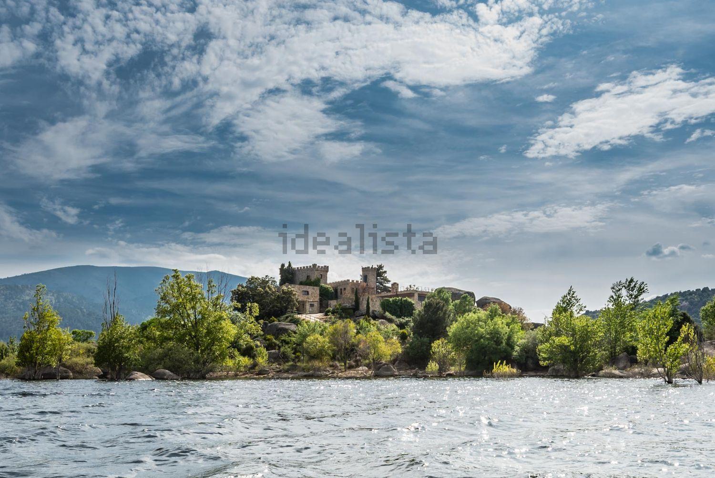 O castelo visto desde o rio