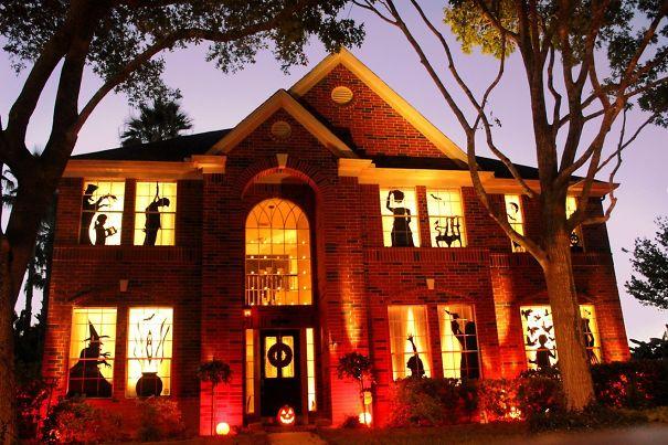 O Dia das Bruxas celebra-se a 31 de outubro