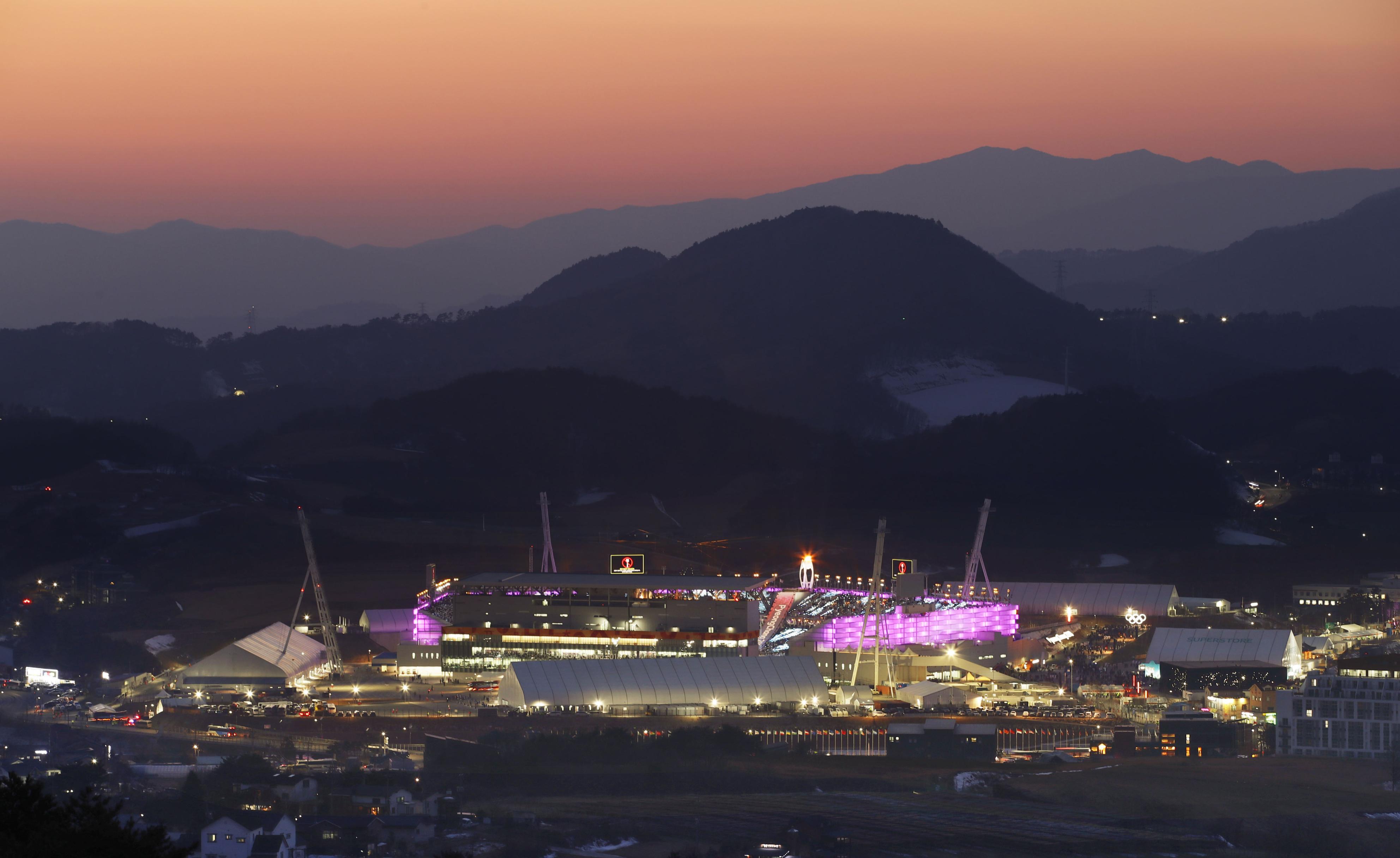 É na Coreia do Sul que se trabalha até mais tarde / Gtres