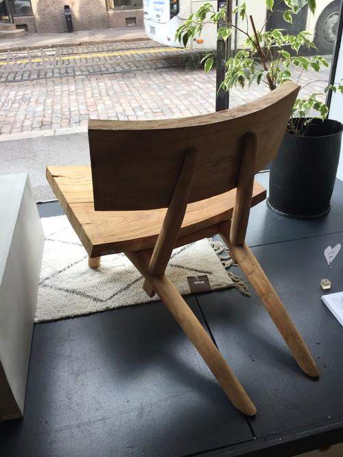 Cadeira de madeira filandesa