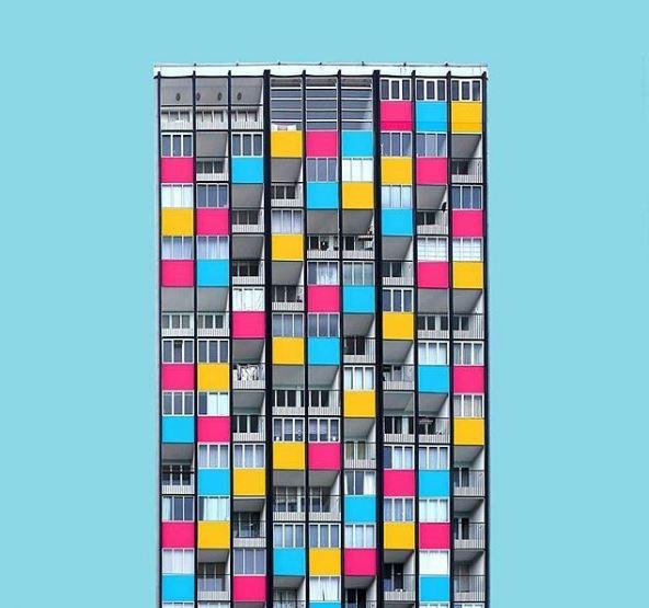 Uma fachada bastante peculiar, em Berlim / @facadesmood by @the_architecture_photographer