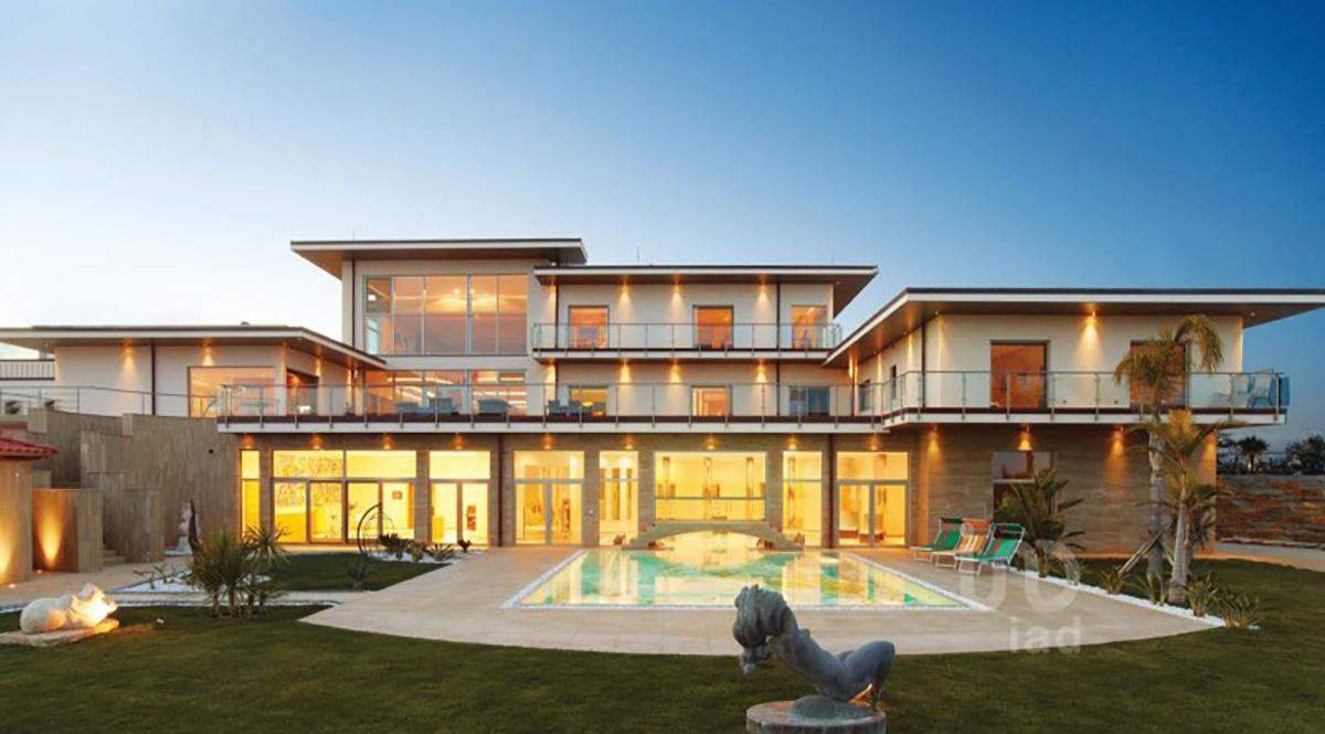 Casa à venda no idealista em Silves, no Algarve, por 12,9 milhões