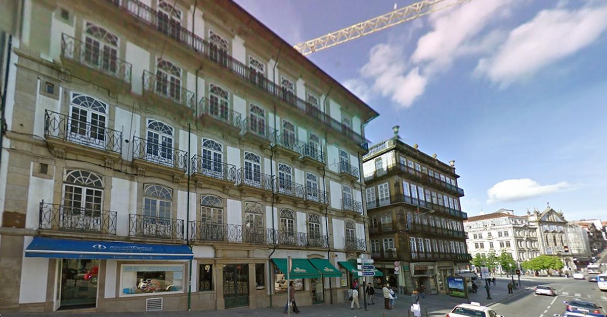 O edifício fica localizado ao lado do novo hotel Pestana. / Elisabete Soares