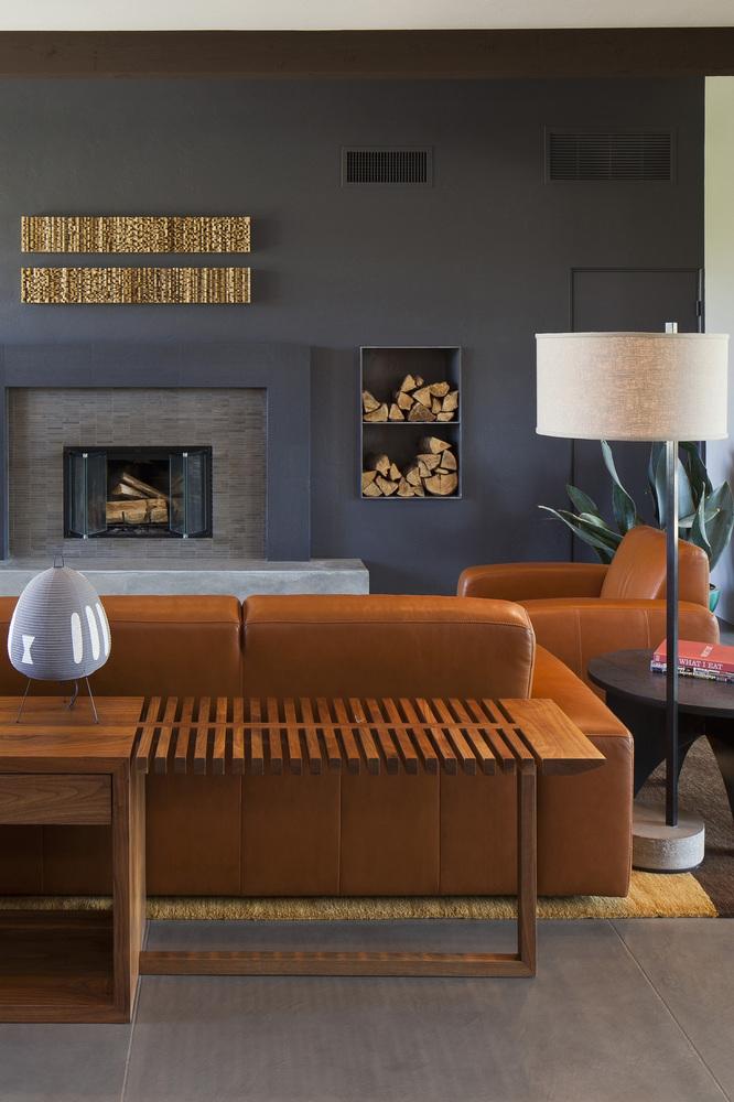 O sofá e a... lareira