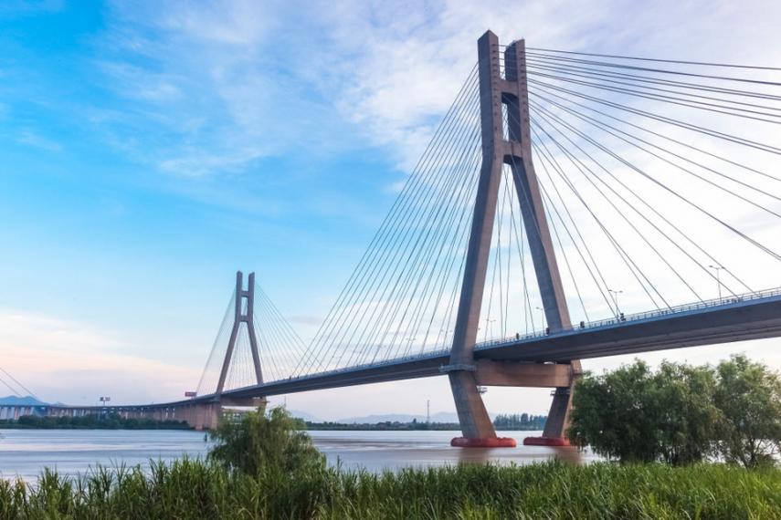 9. Ponte do rio Runyang, China