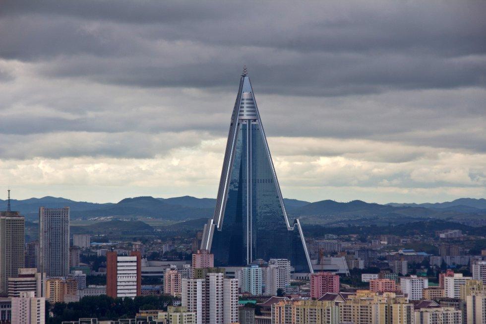 9 – Hotel Ryugyong, em Pyongyang (Coreia do Norte)