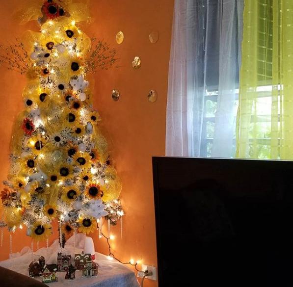 Acrescenta amarelo à decoração