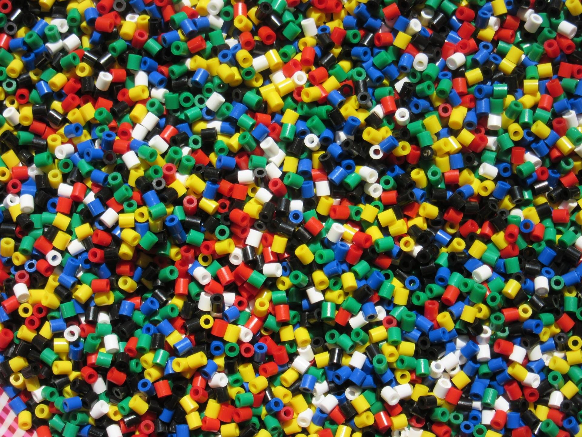 Até 2050 haverá 12 mil toneladas de resíduos plásticos em aterros e oceanos / Foto: Pixabay