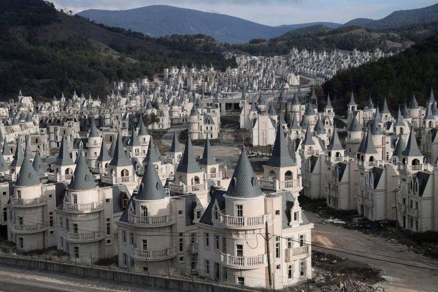 As casas foram construídas em forma de castelo da Disney