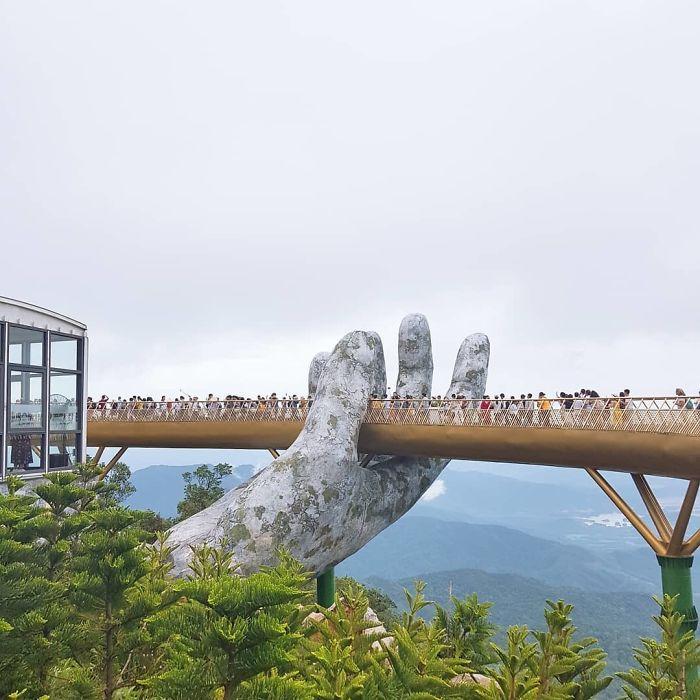 No complexo turístico existe também um teleférico