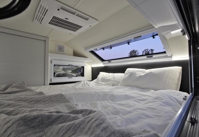 O interior da caravana