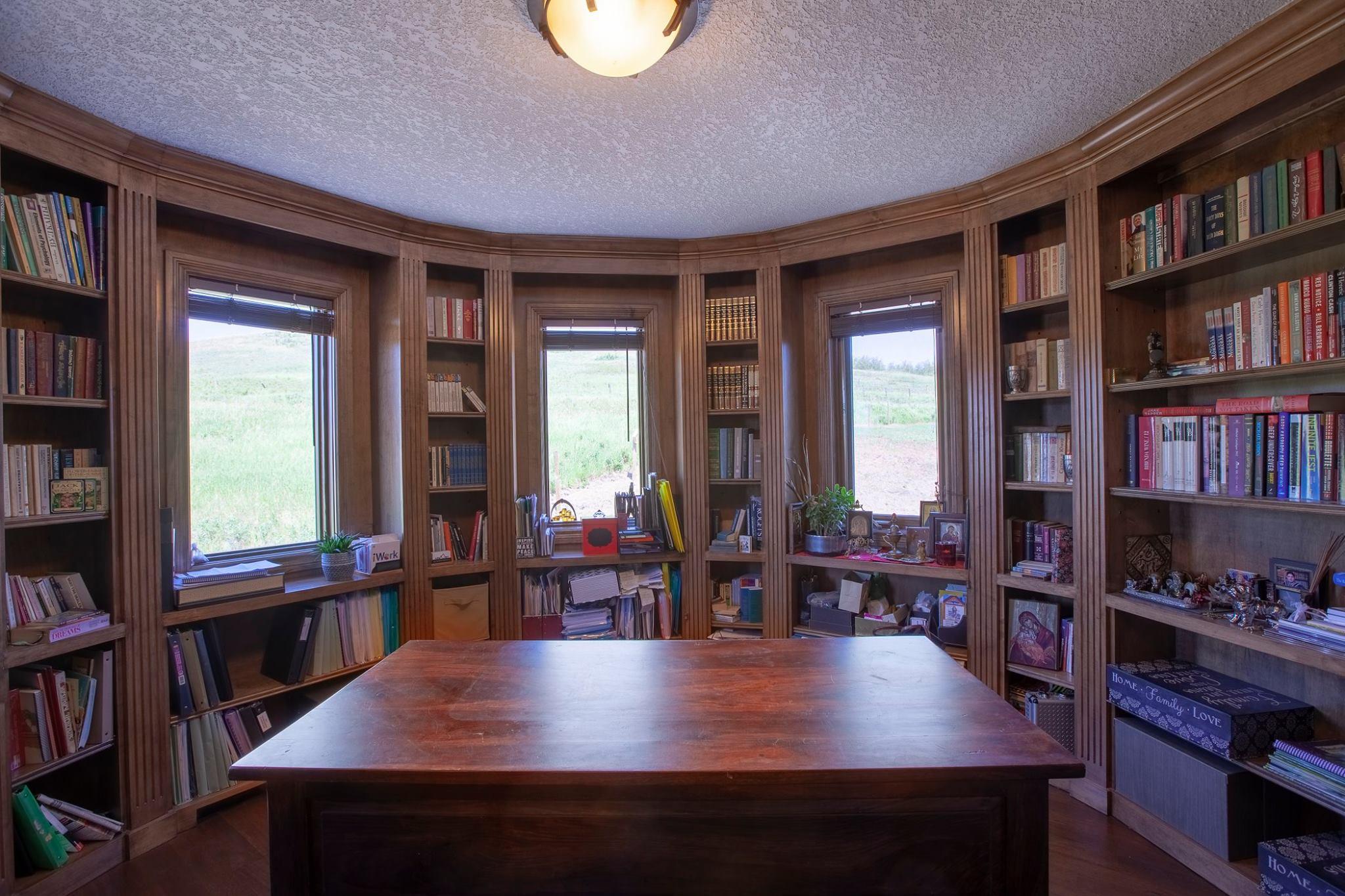 ... E aqui uma biblioteca