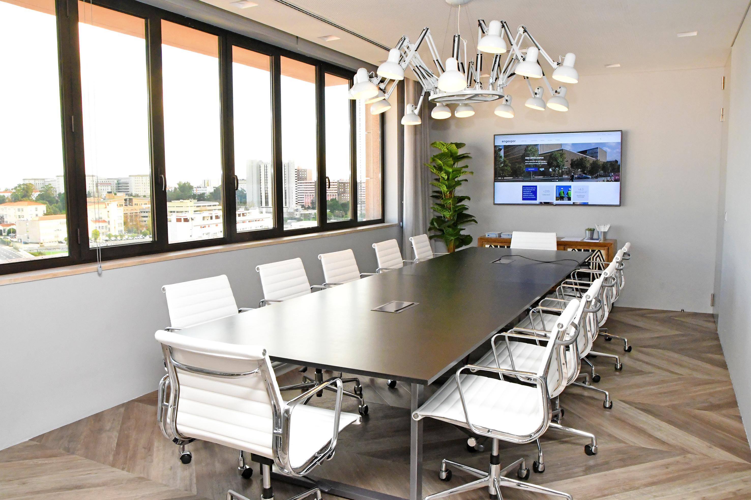 Assim é a sala de reuniões do escritório da Engexpor em Lisboa / Engexpor