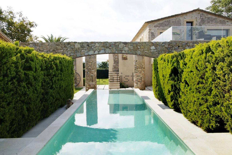 A mansão está localizada em Espanha