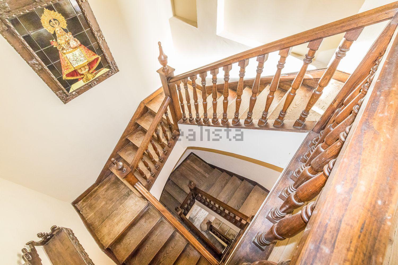 As escadarias do palacete