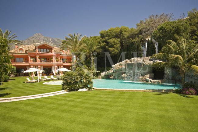 Villa sobre o mar (Espanha)