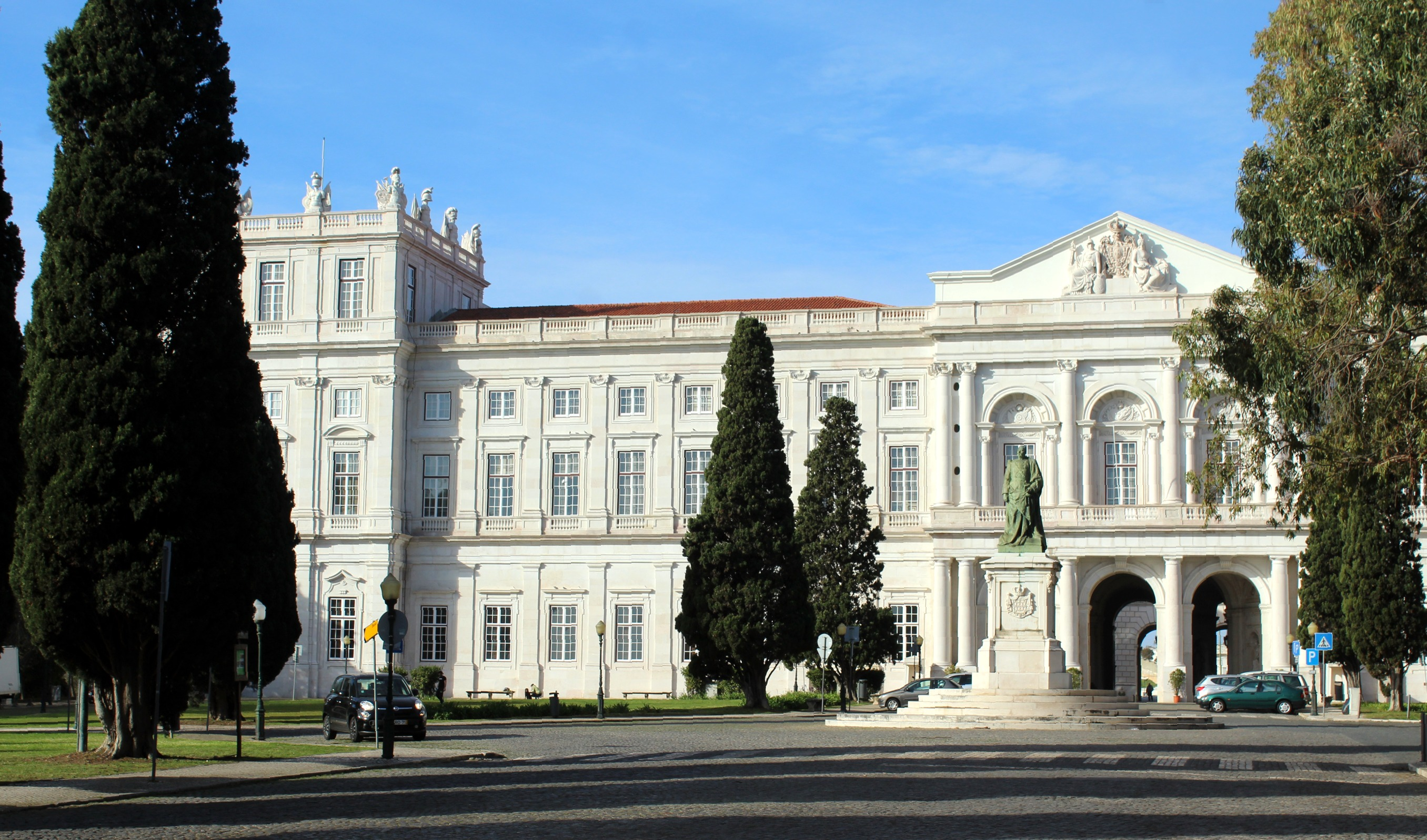Palácio Nacional da Ajuda, Lisboa / Wikimedia commons