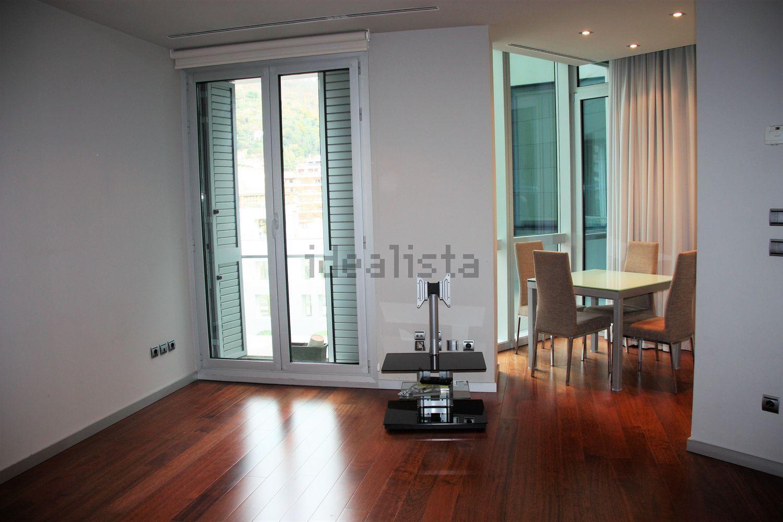 Sala de uma casa à venda em Bilbao, Espanha: custa 700.000 euros