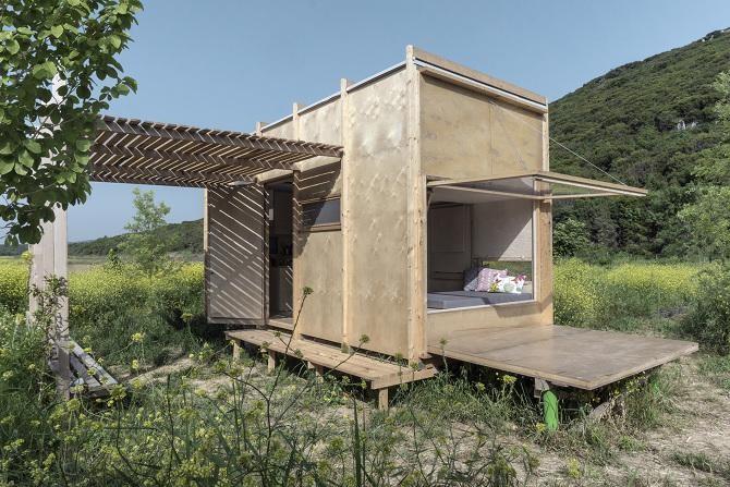 Uma casa pré-fabricada com roldanas